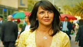 Photo of Ilza Rosario playing Burn Notice TV character Beatriz